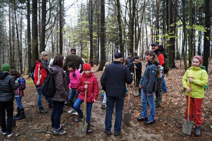Bäume pflanzen im Nationalpark mit Revierförster Knut Tröber