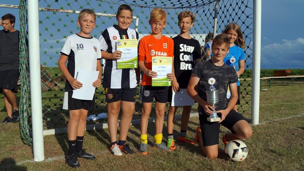 Siegermannschaft des 2. RaZeHo-Fußballturniers